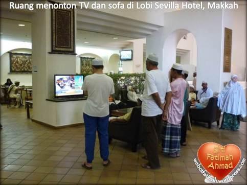 SevillaFatima6SofaTVLobi2011
